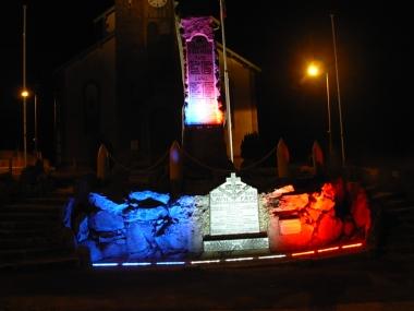 monument éclairé.JPG