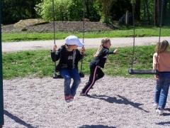 23.04.09 Jeux au parc du chateau (6).jpg