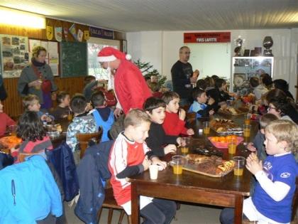 Goûter de Noël à l'école de rugby. 14.12.2011 007.jpg
