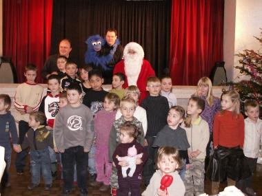 Les enfants et le Père-Noël.jpg