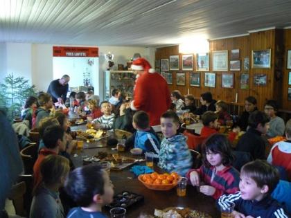 Goûter de Noël à l'école de rugby. 14.12.2011 004.jpg