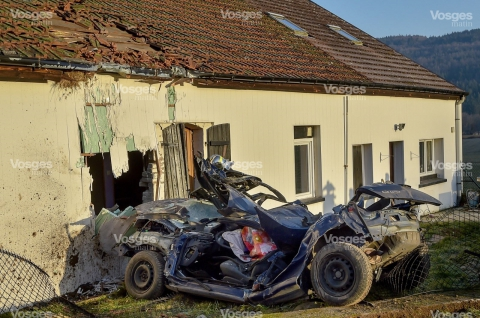 accident-sur-la-rd-423-vosges-matin-jerome-humbrecht-1486973410.jpg