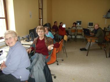 cours informatique à Lepanges sur Vologne.JPG
