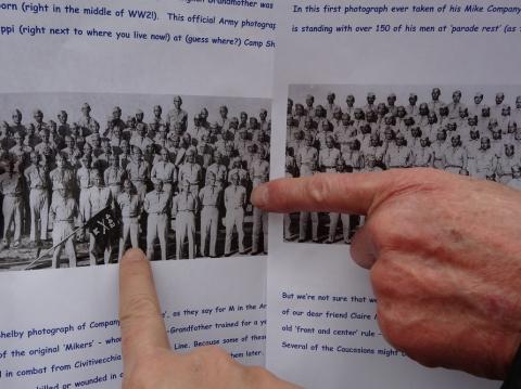 4 les 2 pères sur photo Cie M du 442.JPG