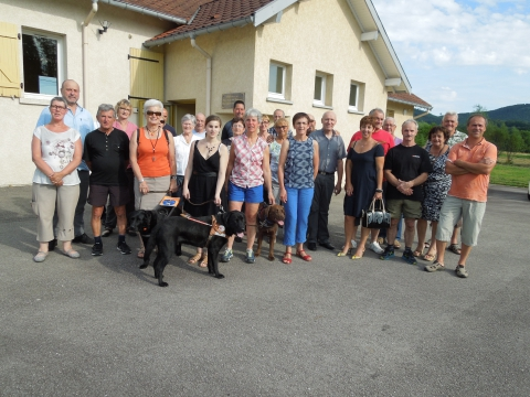 20160708 remise cheque aux chiens guides 002.jpg