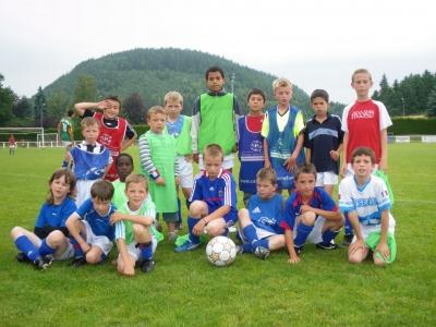 Les 2 equipes finalistes du tournoi des jeunes le matin.JPG