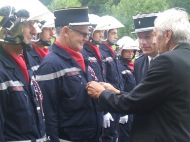 Adjudant, Jean Luc Houvion (Laveline Devant Bruyères) a reçu les galons d'adjudant-chef