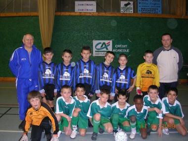 finaliste tournoi futsal benjamins 2009 Eloyes et St Etienne.JPG