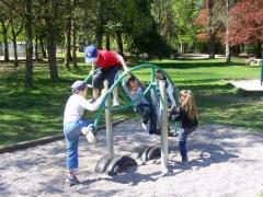 23.04.09 Jeux au parc du chateau (7).jpg